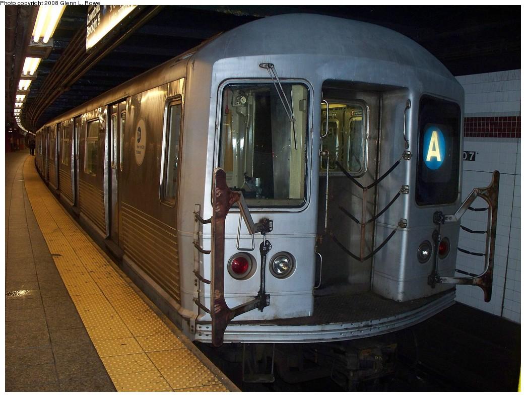 (229k, 1044x788)<br><b>Country:</b> United States<br><b>City:</b> New York<br><b>System:</b> New York City Transit<br><b>Line:</b> IND 8th Avenue Line<br><b>Location:</b> 207th Street <br><b>Route:</b> A<br><b>Car:</b> R-42 (St. Louis, 1969-1970)  4561 <br><b>Photo by:</b> Glenn L. Rowe<br><b>Date:</b> 4/10/2008<br><b>Viewed (this week/total):</b> 0 / 1550
