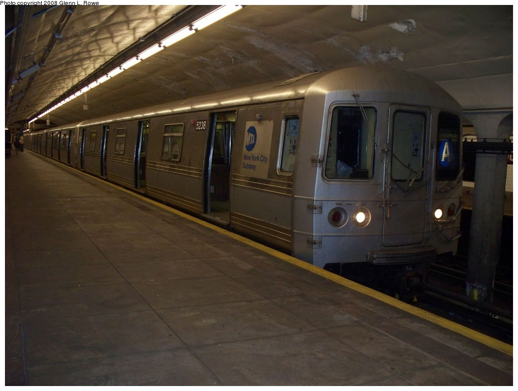 (169k, 1044x788)<br><b>Country:</b> United States<br><b>City:</b> New York<br><b>System:</b> New York City Transit<br><b>Line:</b> IND 8th Avenue Line<br><b>Location:</b> 190th Street/Overlook Terrace <br><b>Route:</b> A<br><b>Car:</b> R-44 (St. Louis, 1971-73) 5238 <br><b>Photo by:</b> Glenn L. Rowe<br><b>Date:</b> 4/10/2008<br><b>Viewed (this week/total):</b> 0 / 1720