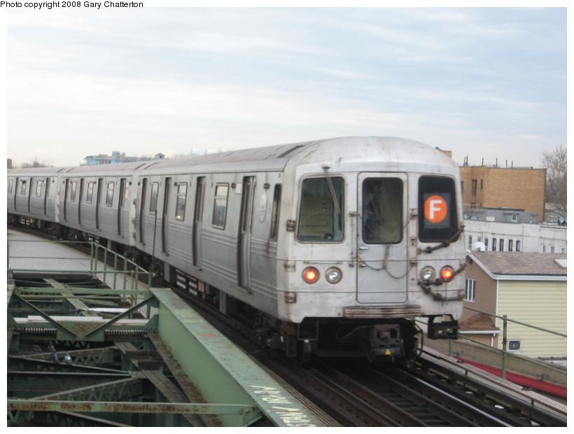 (106k, 820x620)<br><b>Country:</b> United States<br><b>City:</b> New York<br><b>System:</b> New York City Transit<br><b>Line:</b> BMT Culver Line<br><b>Location:</b> Kings Highway <br><b>Route:</b> F<br><b>Car:</b> R-46 (Pullman-Standard, 1974-75) 5692 <br><b>Photo by:</b> Gary Chatterton<br><b>Date:</b> 4/12/2008<br><b>Viewed (this week/total):</b> 0 / 1791