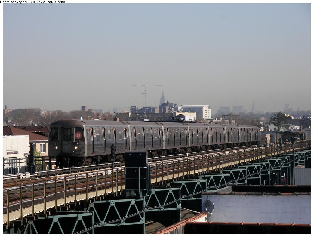 (250k, 1044x788)<br><b>Country:</b> United States<br><b>City:</b> New York<br><b>System:</b> New York City Transit<br><b>Line:</b> BMT West End Line<br><b>Location:</b> 18th Avenue <br><b>Route:</b> D<br><b>Car:</b> R-68 (Westinghouse-Amrail, 1986-1988)   <br><b>Photo by:</b> David-Paul Gerber<br><b>Date:</b> 4/17/2008<br><b>Viewed (this week/total):</b> 0 / 1801