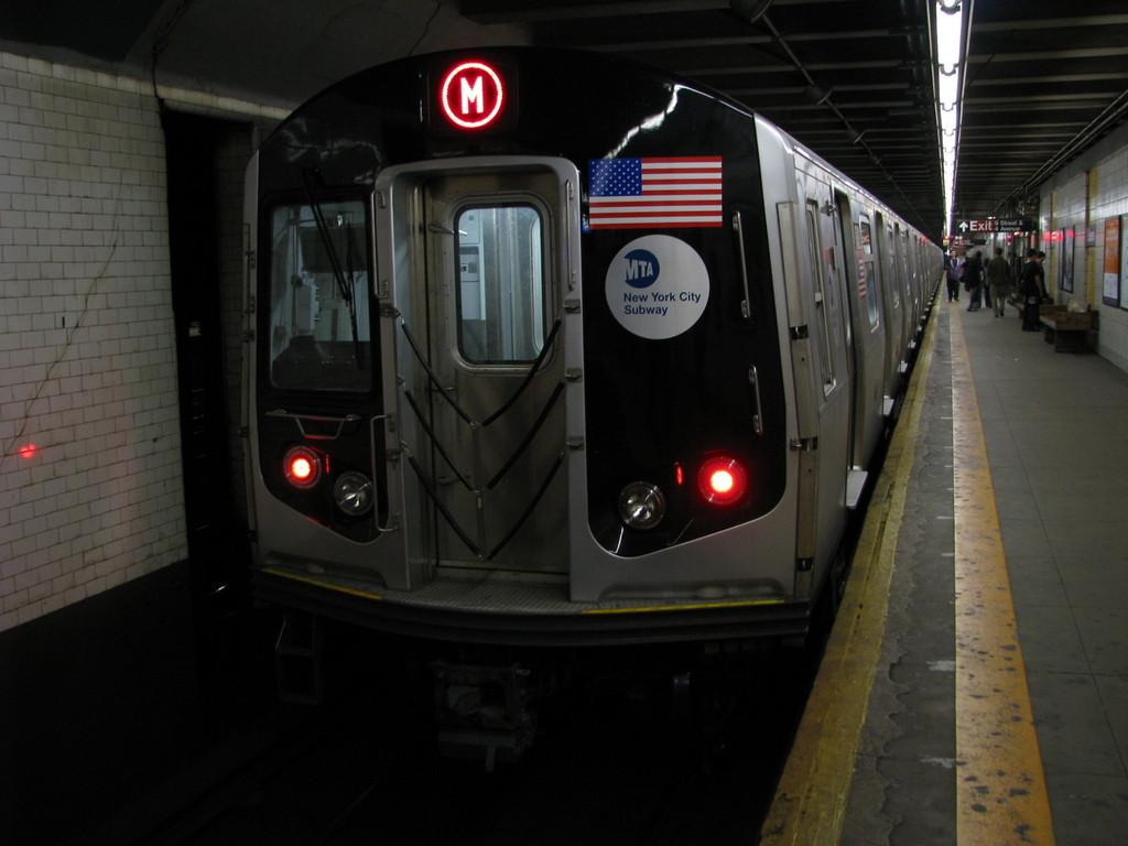 (154k, 1024x768)<br><b>Country:</b> United States<br><b>City:</b> New York<br><b>System:</b> New York City Transit<br><b>Line:</b> BMT 4th Avenue<br><b>Location:</b> 9th Street <br><b>Route:</b> M<br><b>Car:</b> R-160A-1 (Alstom, 2005-2008, 4 car sets)  8381 <br><b>Photo by:</b> Andrew Johnson<br><b>Date:</b> 4/17/2008<br><b>Viewed (this week/total):</b> 0 / 3023