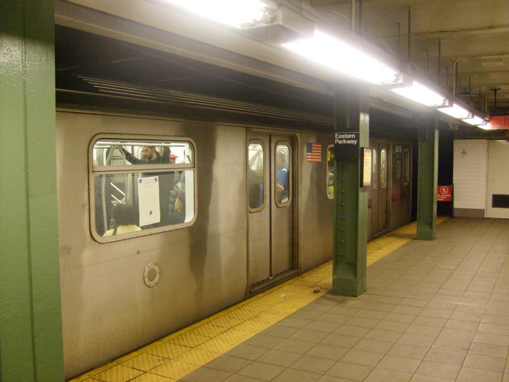 (117k, 1010x758)<br><b>Country:</b> United States<br><b>City:</b> New York<br><b>System:</b> New York City Transit<br><b>Line:</b> IRT Brooklyn Line<br><b>Location:</b> Eastern Parkway/Brooklyn Museum <br><b>Route:</b> 2<br><b>Car:</b> R-142 (Primary Order, Bombardier, 1999-2002)  6616 <br><b>Photo by:</b> Leonard Wilson<br><b>Date:</b> 4/18/2008<br><b>Viewed (this week/total):</b> 2 / 3220