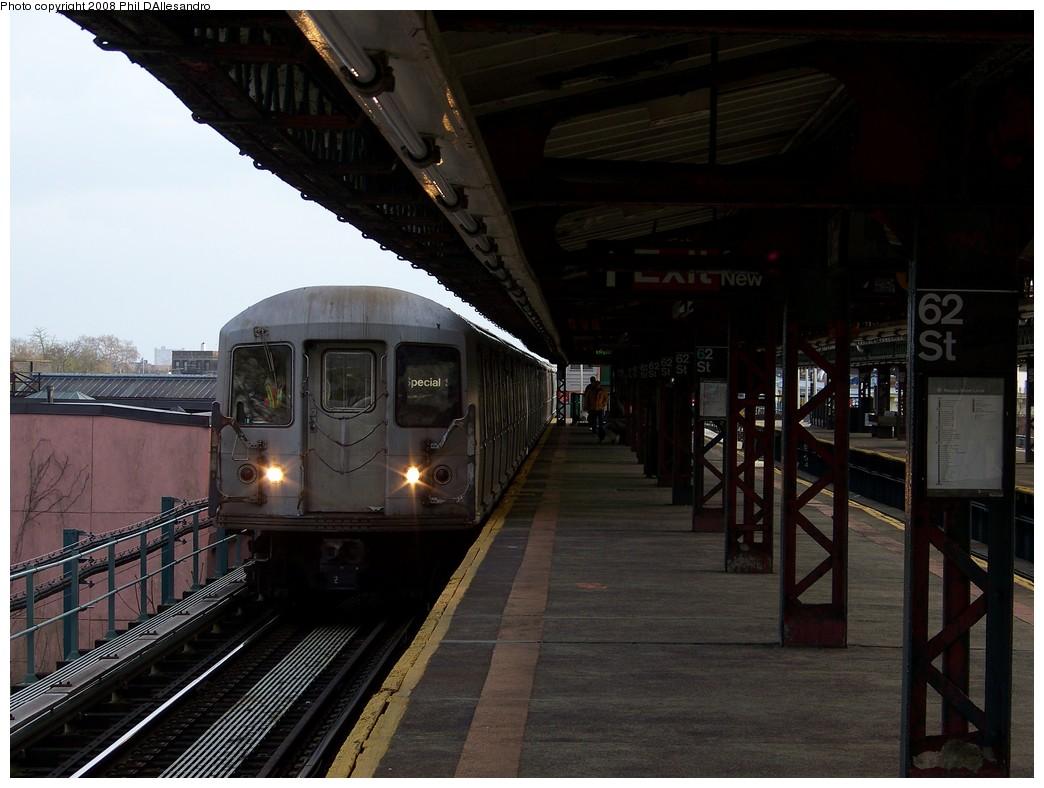 (191k, 1044x788)<br><b>Country:</b> United States<br><b>City:</b> New York<br><b>System:</b> New York City Transit<br><b>Line:</b> BMT West End Line<br><b>Location:</b> 62nd Street <br><b>Car:</b> R-40 (St. Louis, 1968)  4488 <br><b>Photo by:</b> Philip D'Allesandro<br><b>Date:</b> 4/20/2008<br><b>Viewed (this week/total):</b> 0 / 2462