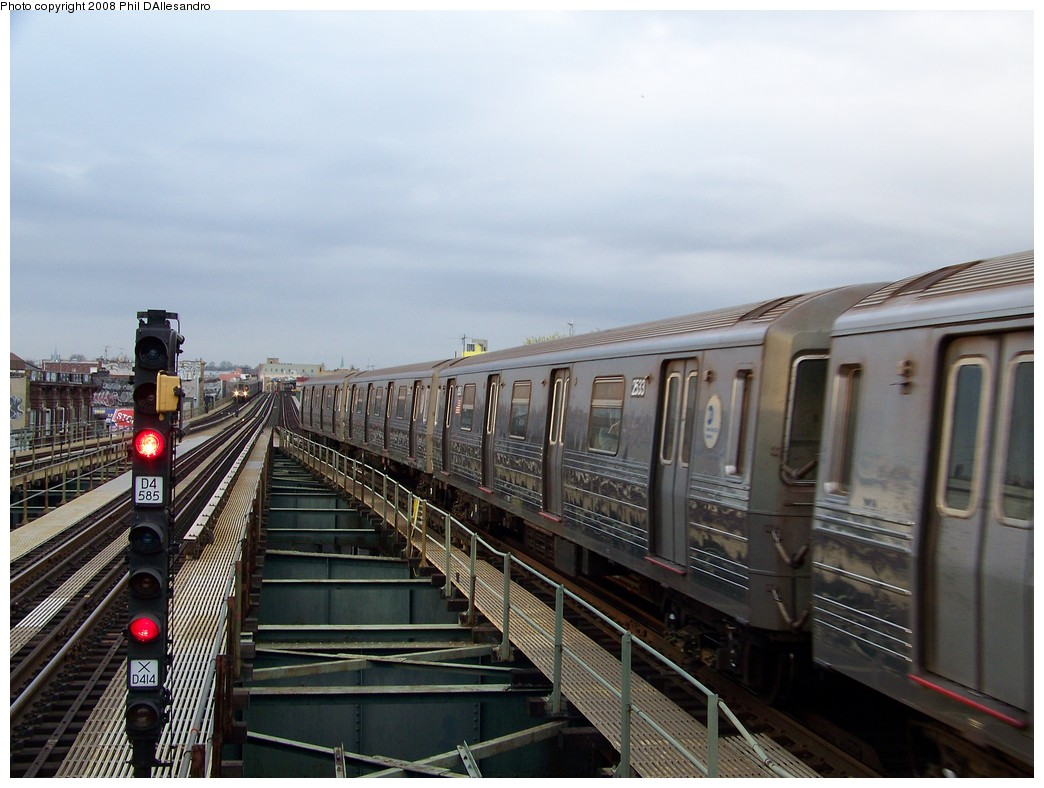 (201k, 1044x788)<br><b>Country:</b> United States<br><b>City:</b> New York<br><b>System:</b> New York City Transit<br><b>Line:</b> BMT West End Line<br><b>Location:</b> 62nd Street <br><b>Route:</b> D<br><b>Car:</b> R-68 (Westinghouse-Amrail, 1986-1988)  2533 <br><b>Photo by:</b> Philip D'Allesandro<br><b>Date:</b> 4/20/2008<br><b>Viewed (this week/total):</b> 0 / 1371