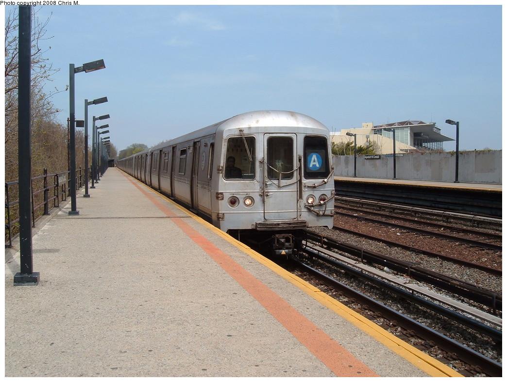 (249k, 1044x788)<br><b>Country:</b> United States<br><b>City:</b> New York<br><b>System:</b> New York City Transit<br><b>Line:</b> IND Rockaway<br><b>Location:</b> Aqueduct/North Conduit Avenue <br><b>Route:</b> A<br><b>Car:</b> R-44 (St. Louis, 1971-73)  <br><b>Photo by:</b> Chris M.<br><b>Date:</b> 4/21/2008<br><b>Viewed (this week/total):</b> 0 / 1485
