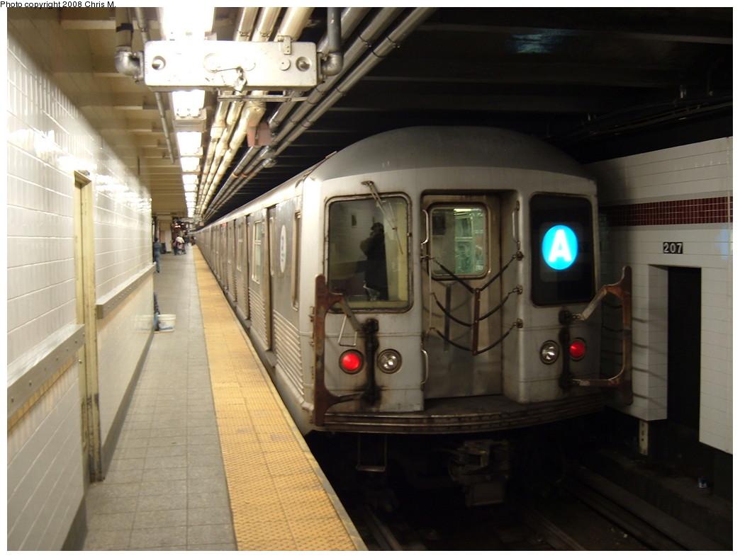 (184k, 1044x788)<br><b>Country:</b> United States<br><b>City:</b> New York<br><b>System:</b> New York City Transit<br><b>Line:</b> IND 8th Avenue Line<br><b>Location:</b> 207th Street <br><b>Route:</b> A<br><b>Car:</b> R-42 (St. Louis, 1969-1970)  4570 <br><b>Photo by:</b> Chris M.<br><b>Date:</b> 4/21/2008<br><b>Viewed (this week/total):</b> 0 / 1625