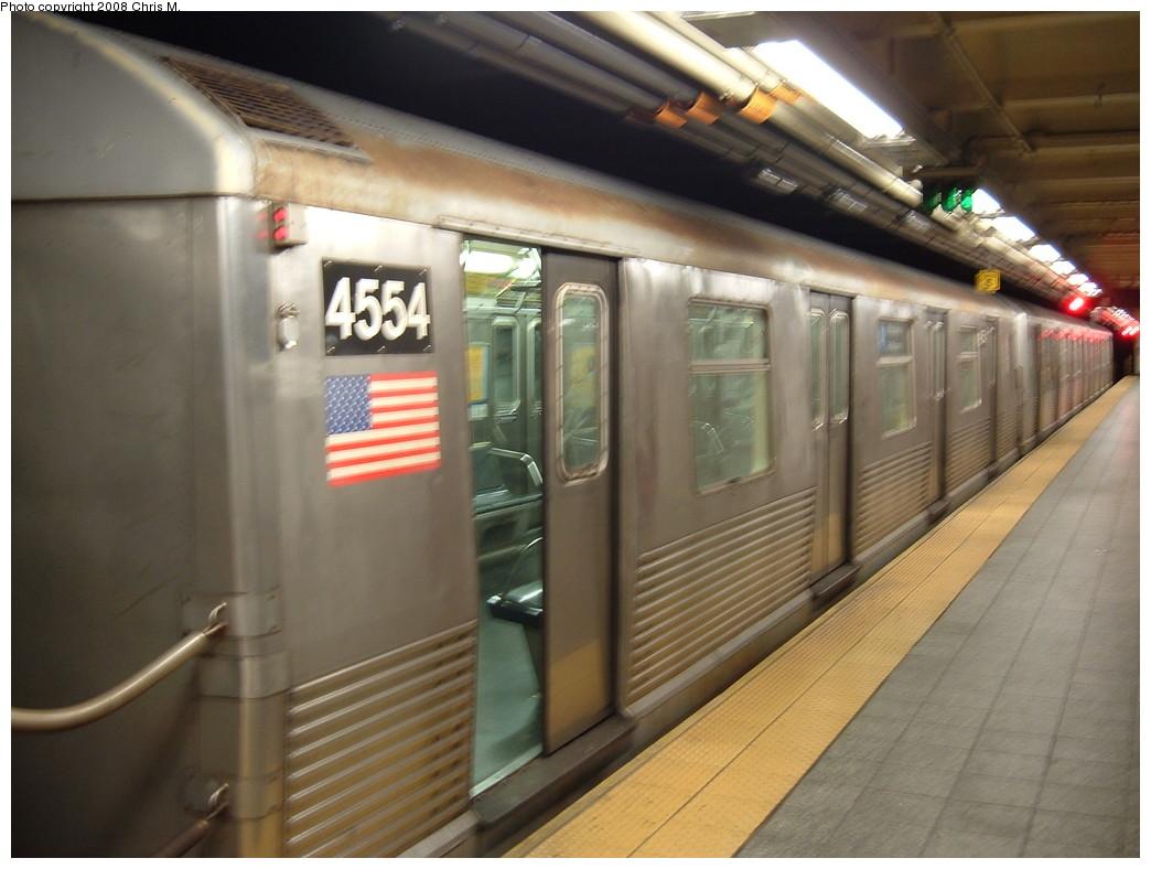 (191k, 1044x788)<br><b>Country:</b> United States<br><b>City:</b> New York<br><b>System:</b> New York City Transit<br><b>Line:</b> IND 8th Avenue Line<br><b>Location:</b> 207th Street <br><b>Route:</b> A<br><b>Car:</b> R-42 (St. Louis, 1969-1970)  4554 <br><b>Photo by:</b> Chris M.<br><b>Date:</b> 4/21/2008<br><b>Viewed (this week/total):</b> 0 / 1338