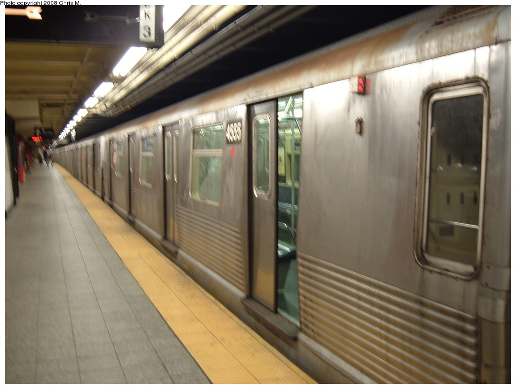(183k, 1044x788)<br><b>Country:</b> United States<br><b>City:</b> New York<br><b>System:</b> New York City Transit<br><b>Line:</b> IND 8th Avenue Line<br><b>Location:</b> 207th Street <br><b>Route:</b> A<br><b>Car:</b> R-42 (St. Louis, 1969-1970)  4555 <br><b>Photo by:</b> Chris M.<br><b>Date:</b> 4/21/2008<br><b>Viewed (this week/total):</b> 4 / 1332