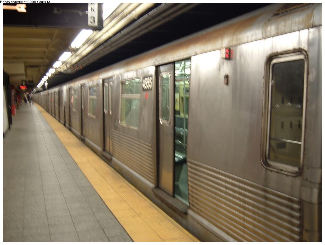 (183k, 1044x788)<br><b>Country:</b> United States<br><b>City:</b> New York<br><b>System:</b> New York City Transit<br><b>Line:</b> IND 8th Avenue Line<br><b>Location:</b> 207th Street <br><b>Route:</b> A<br><b>Car:</b> R-42 (St. Louis, 1969-1970)  4555 <br><b>Photo by:</b> Chris M.<br><b>Date:</b> 4/21/2008<br><b>Viewed (this week/total):</b> 2 / 1457