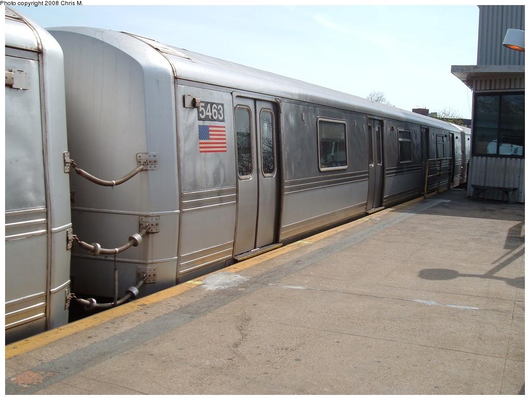 (208k, 1044x788)<br><b>Country:</b> United States<br><b>City:</b> New York<br><b>System:</b> New York City Transit<br><b>Line:</b> IND Rockaway<br><b>Location:</b> Mott Avenue/Far Rockaway <br><b>Route:</b> A<br><b>Car:</b> R-44 (St. Louis, 1971-73) 5463 <br><b>Photo by:</b> Chris M.<br><b>Date:</b> 4/21/2008<br><b>Viewed (this week/total):</b> 0 / 1560