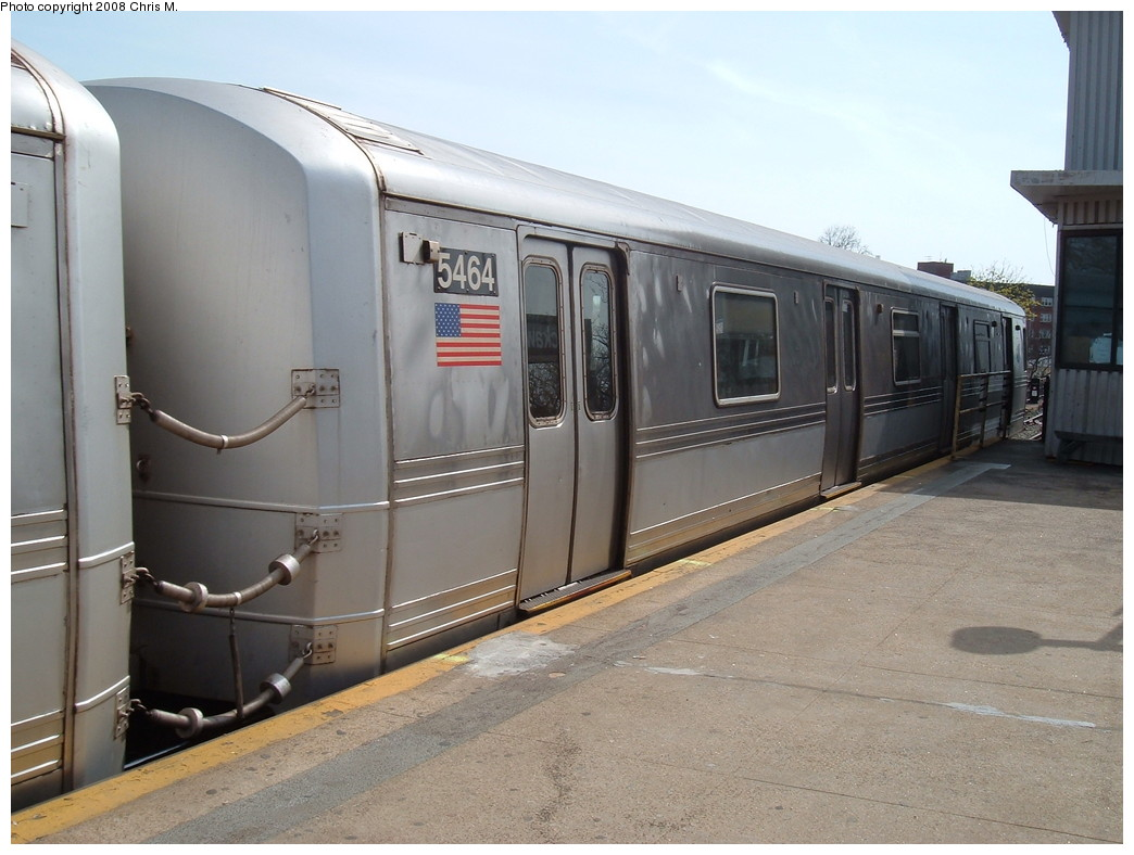 (197k, 1044x788)<br><b>Country:</b> United States<br><b>City:</b> New York<br><b>System:</b> New York City Transit<br><b>Line:</b> IND Rockaway<br><b>Location:</b> Mott Avenue/Far Rockaway <br><b>Route:</b> A<br><b>Car:</b> R-44 (St. Louis, 1971-73) 5464 <br><b>Photo by:</b> Chris M.<br><b>Date:</b> 4/21/2008<br><b>Viewed (this week/total):</b> 1 / 1174