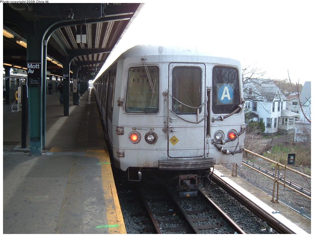 (237k, 1044x788)<br><b>Country:</b> United States<br><b>City:</b> New York<br><b>System:</b> New York City Transit<br><b>Line:</b> IND Rockaway<br><b>Location:</b> Mott Avenue/Far Rockaway <br><b>Route:</b> A<br><b>Car:</b> R-44 (St. Louis, 1971-73) 5220 <br><b>Photo by:</b> Chris M.<br><b>Date:</b> 4/21/2008<br><b>Viewed (this week/total):</b> 1 / 1515