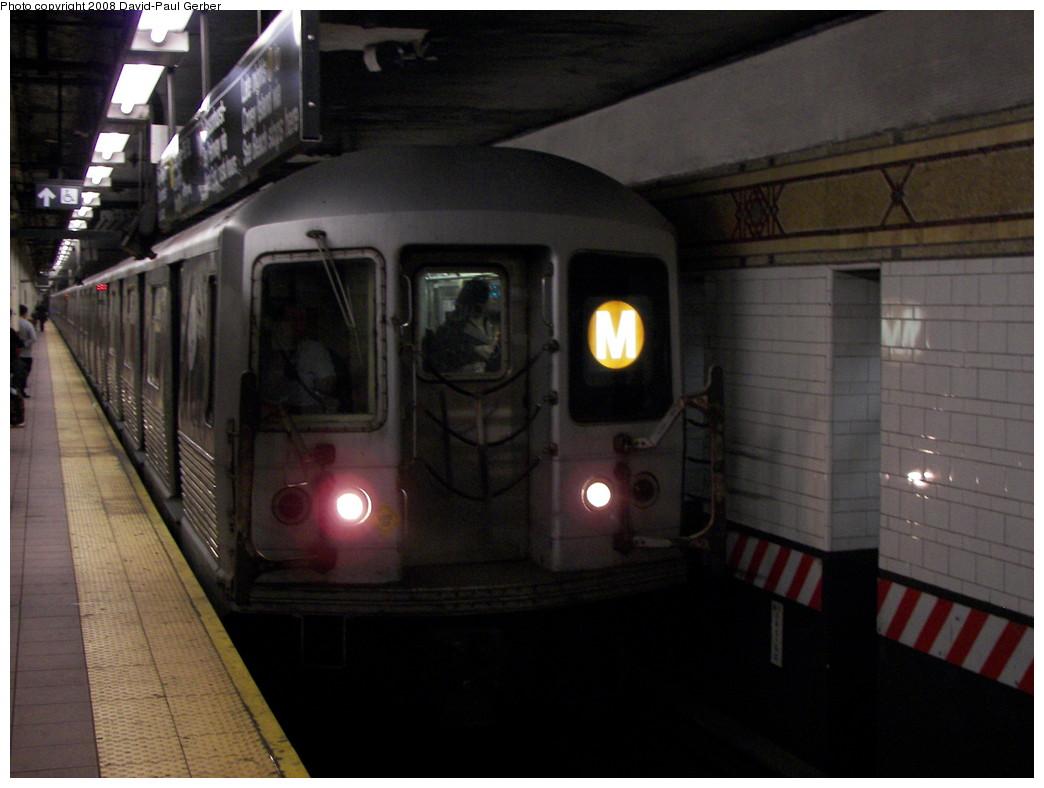 (224k, 1044x788)<br><b>Country:</b> United States<br><b>City:</b> New York<br><b>System:</b> New York City Transit<br><b>Location:</b> DeKalb Avenue<br><b>Route:</b> M<br><b>Car:</b> R-42 (St. Louis, 1969-1970)   <br><b>Photo by:</b> David-Paul Gerber<br><b>Date:</b> 4/18/2008<br><b>Viewed (this week/total):</b> 0 / 2304
