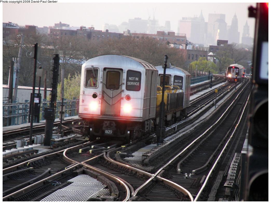 (281k, 1044x788)<br><b>Country:</b> United States<br><b>City:</b> New York<br><b>System:</b> New York City Transit<br><b>Line:</b> BMT West End Line<br><b>Location:</b> Bay 50th Street <br><b>Route:</b> Work Service<br><b>Car:</b> R-127/R-134 (Kawasaki, 1991-1996)  <br><b>Photo by:</b> David-Paul Gerber<br><b>Date:</b> 4/22/2008<br><b>Viewed (this week/total):</b> 1 / 4154