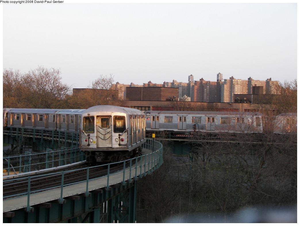 (237k, 1044x788)<br><b>Country:</b> United States<br><b>City:</b> New York<br><b>System:</b> New York City Transit<br><b>Line:</b> BMT West End Line<br><b>Location:</b> Bay 50th Street <br><b>Route:</b> M Layup<br><b>Car:</b> R-42 (St. Louis, 1969-1970)   <br><b>Photo by:</b> David-Paul Gerber<br><b>Date:</b> 4/22/2008<br><b>Notes:</b> With R40 4218<br><b>Viewed (this week/total):</b> 0 / 2471