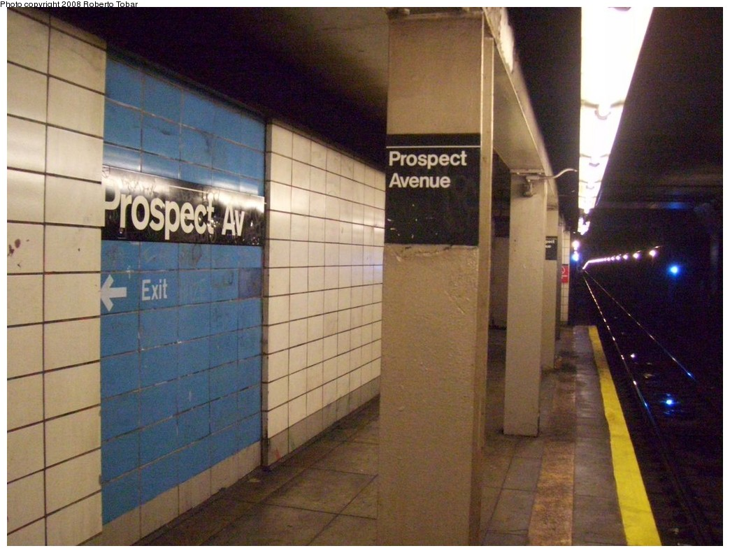 (206k, 1044x791)<br><b>Country:</b> United States<br><b>City:</b> New York<br><b>System:</b> New York City Transit<br><b>Line:</b> BMT 4th Avenue<br><b>Location:</b> Prospect Avenue <br><b>Photo by:</b> Roberto C. Tobar<br><b>Date:</b> 4/26/2008<br><b>Viewed (this week/total):</b> 0 / 1908