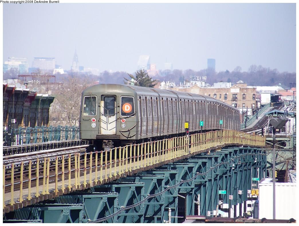 (280k, 1044x788)<br><b>Country:</b> United States<br><b>City:</b> New York<br><b>System:</b> New York City Transit<br><b>Line:</b> BMT West End Line<br><b>Location:</b> 18th Avenue <br><b>Route:</b> D<br><b>Car:</b> R-68 (Westinghouse-Amrail, 1986-1988)  2694 <br><b>Photo by:</b> DeAndre Burrell<br><b>Date:</b> 4/12/2007<br><b>Viewed (this week/total):</b> 1 / 1724