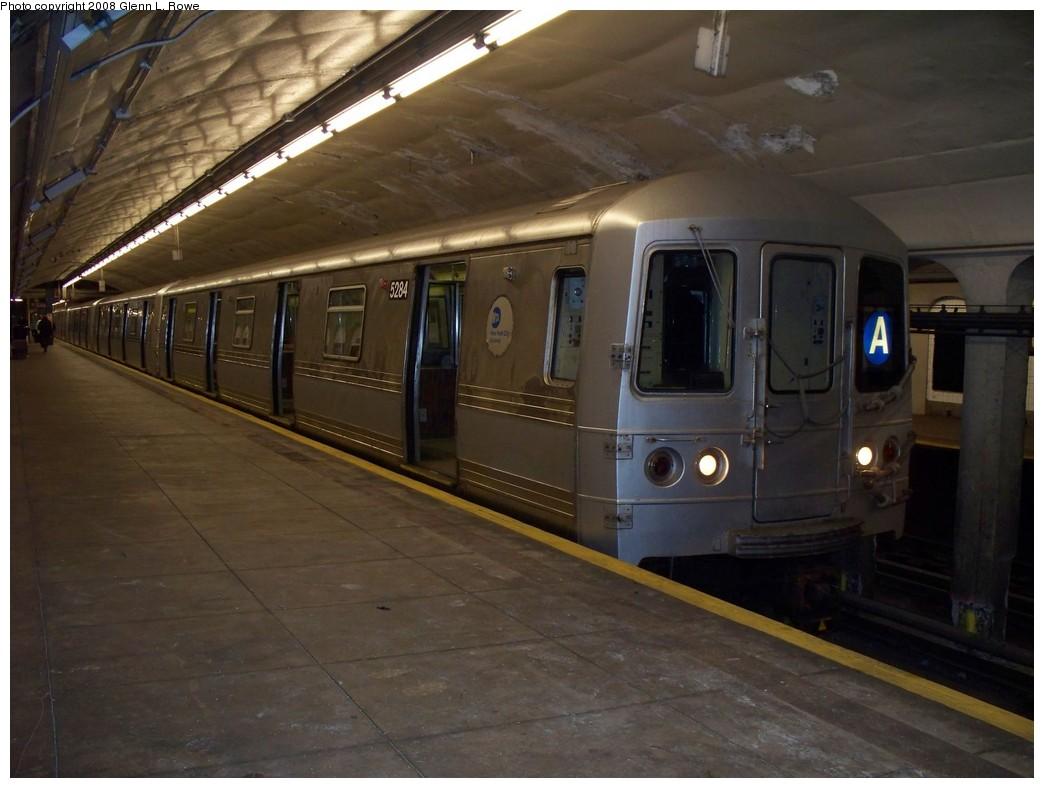 (180k, 1044x788)<br><b>Country:</b> United States<br><b>City:</b> New York<br><b>System:</b> New York City Transit<br><b>Line:</b> IND 8th Avenue Line<br><b>Location:</b> 190th Street/Overlook Terrace <br><b>Route:</b> A<br><b>Car:</b> R-44 (St. Louis, 1971-73) 5284 <br><b>Photo by:</b> Glenn L. Rowe<br><b>Date:</b> 4/29/2008<br><b>Viewed (this week/total):</b> 0 / 1713