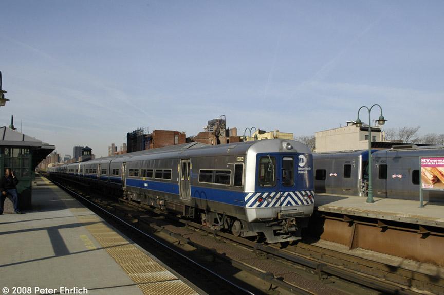 (143k, 864x574)<br><b>Country:</b> United States<br><b>City:</b> New York<br><b>System:</b> Metro-North Railroad (or Amtrak or Predecessor RR)<br><b>Line:</b> Metro North-Grand Central/Park Avenue Viaduct<br><b>Location:</b> MNRR 125th Street<br><b>Car:</b> MNRR M-3a EMU (Budd) 8004 <br><b>Photo by:</b> Peter Ehrlich<br><b>Date:</b> 4/25/2008<br><b>Viewed (this week/total):</b> 1 / 1364