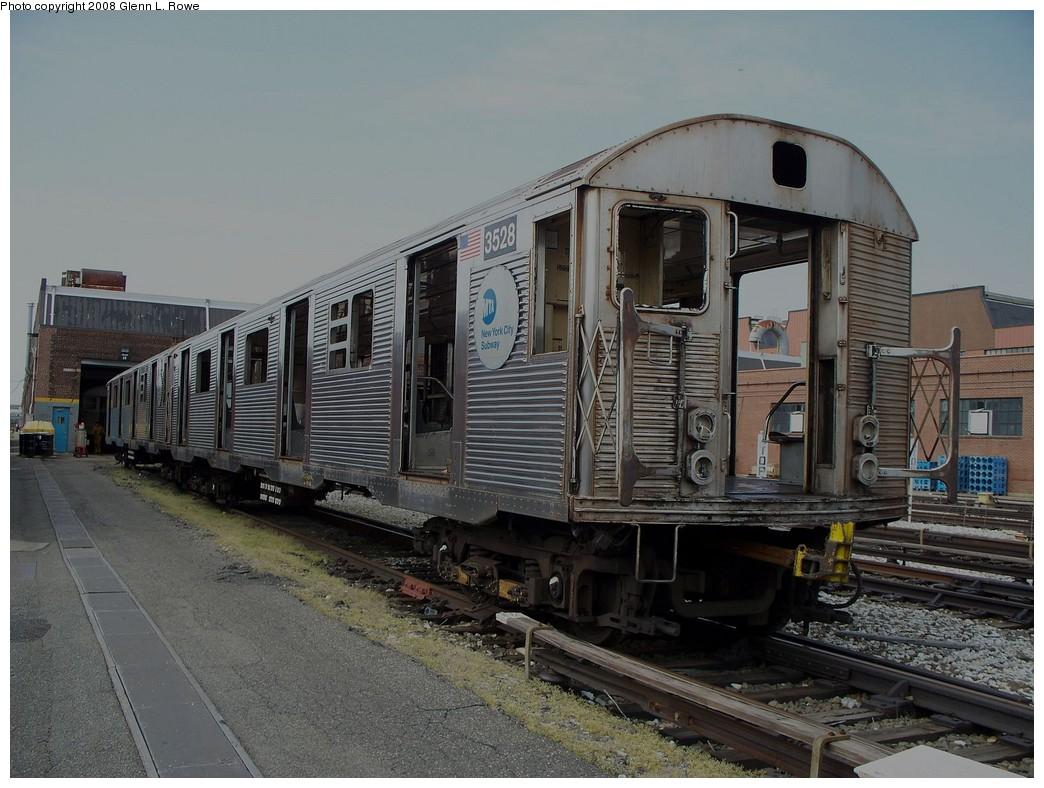 (224k, 1044x788)<br><b>Country:</b> United States<br><b>City:</b> New York<br><b>System:</b> New York City Transit<br><b>Location:</b> 207th Street Yard<br><b>Car:</b> R-32 (Budd, 1964)  3528 <br><b>Photo by:</b> Glenn L. Rowe<br><b>Date:</b> 5/1/2008<br><b>Viewed (this week/total):</b> 0 / 1948