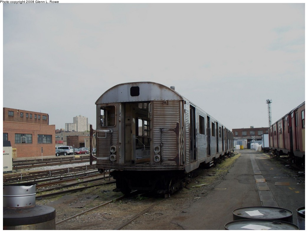 (154k, 1044x788)<br><b>Country:</b> United States<br><b>City:</b> New York<br><b>System:</b> New York City Transit<br><b>Location:</b> 207th Street Yard<br><b>Car:</b> R-32 (Budd, 1964)  3529 <br><b>Photo by:</b> Glenn L. Rowe<br><b>Date:</b> 5/1/2008<br><b>Viewed (this week/total):</b> 1 / 1702