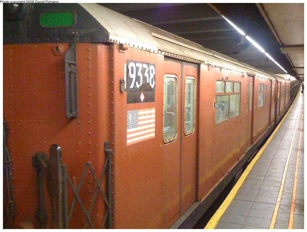 (205k, 1044x788)<br><b>Country:</b> United States<br><b>City:</b> New York<br><b>System:</b> New York City Transit<br><b>Line:</b> IND 6th Avenue Line<br><b>Location:</b> 34th Street/Herald Square <br><b>Route:</b> Work Service<br><b>Car:</b> R-33 World's Fair (St. Louis, 1963-64) 9338 <br><b>Photo by:</b> David Pirmann<br><b>Date:</b> 4/30/2008<br><b>Viewed (this week/total):</b> 5 / 2385
