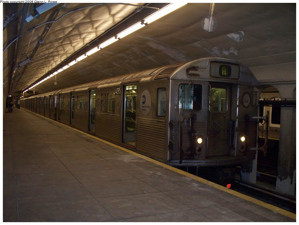 (183k, 1044x788)<br><b>Country:</b> United States<br><b>City:</b> New York<br><b>System:</b> New York City Transit<br><b>Line:</b> IND 8th Avenue Line<br><b>Location:</b> 190th Street/Overlook Terrace <br><b>Route:</b> A<br><b>Car:</b> R-38 (St. Louis, 1966-1967)  4095 <br><b>Photo by:</b> Glenn L. Rowe<br><b>Date:</b> 5/5/2008<br><b>Viewed (this week/total):</b> 1 / 1727