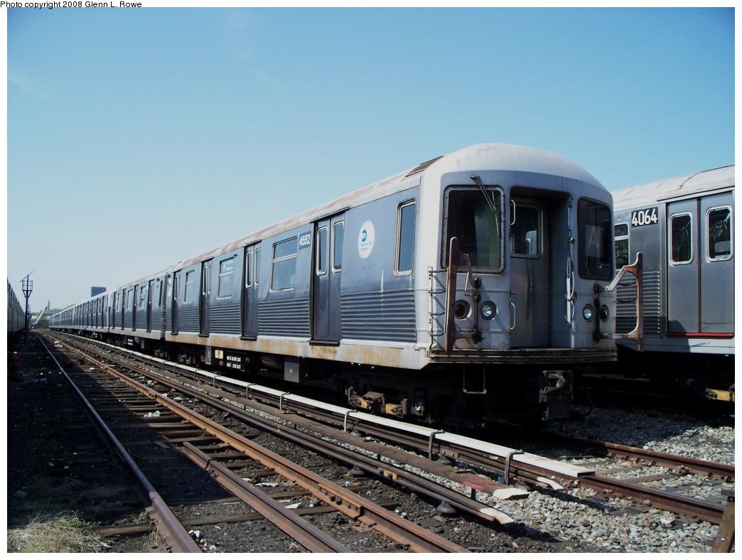 (210k, 1044x788)<br><b>Country:</b> United States<br><b>City:</b> New York<br><b>System:</b> New York City Transit<br><b>Location:</b> 207th Street Yard<br><b>Car:</b> R-42 (St. Louis, 1969-1970)  4552 <br><b>Photo by:</b> Glenn L. Rowe<br><b>Date:</b> 5/6/2008<br><b>Viewed (this week/total):</b> 3 / 1230