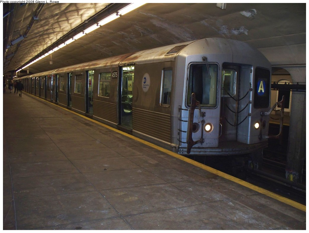(184k, 1044x788)<br><b>Country:</b> United States<br><b>City:</b> New York<br><b>System:</b> New York City Transit<br><b>Line:</b> IND 8th Avenue Line<br><b>Location:</b> 190th Street/Overlook Terrace <br><b>Route:</b> A<br><b>Car:</b> R-42 (St. Louis, 1969-1970)  4575 <br><b>Photo by:</b> Glenn L. Rowe<br><b>Date:</b> 5/2/2008<br><b>Viewed (this week/total):</b> 0 / 1411
