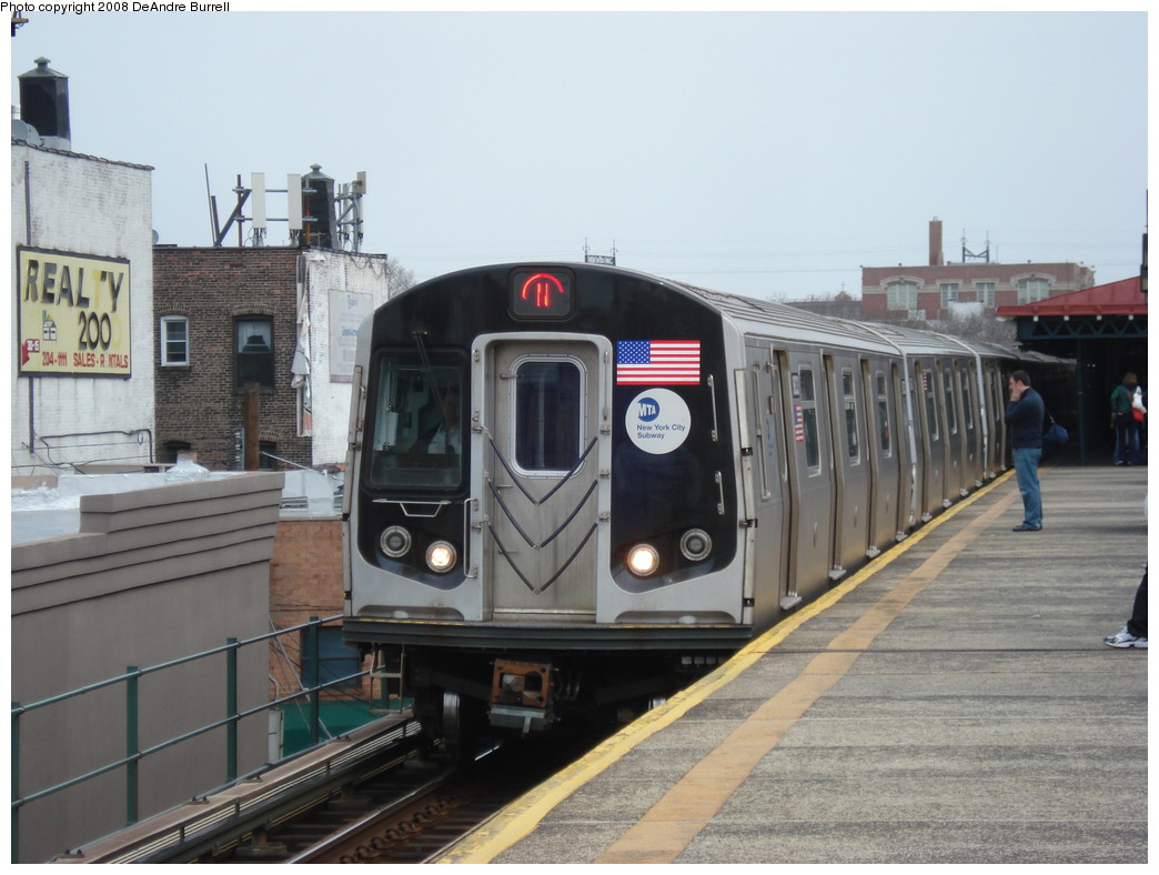 (199k, 1044x788)<br><b>Country:</b> United States<br><b>City:</b> New York<br><b>System:</b> New York City Transit<br><b>Line:</b> BMT Astoria Line<br><b>Location:</b> Astoria Boulevard/Hoyt Avenue <br><b>Route:</b> N<br><b>Car:</b> R-160B (Kawasaki, 2005-2008)  8893 <br><b>Photo by:</b> DeAndre Burrell<br><b>Date:</b> 4/12/2008<br><b>Viewed (this week/total):</b> 0 / 2175