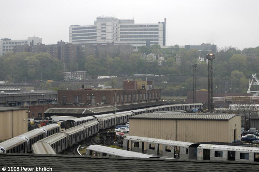 (155k, 864x574)<br><b>Country:</b> United States<br><b>City:</b> New York<br><b>System:</b> New York City Transit<br><b>Location:</b> 207th Street Yard<br><b>Car:</b> R-42 (St. Louis, 1969-1970)  4883 <br><b>Photo by:</b> Peter Ehrlich<br><b>Date:</b> 5/2/2008<br><b>Viewed (this week/total):</b> 0 / 1355