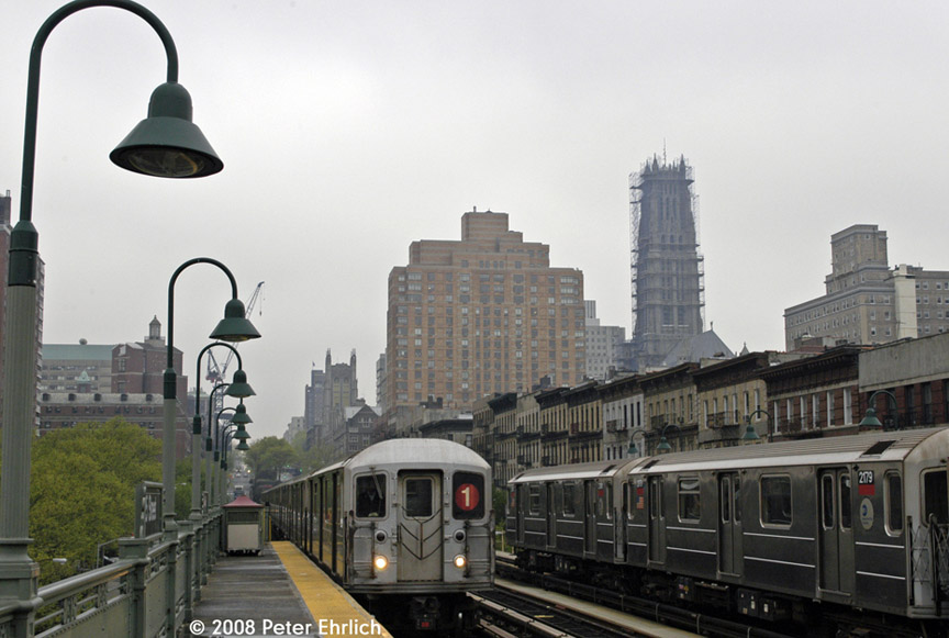 (156k, 864x581)<br><b>Country:</b> United States<br><b>City:</b> New York<br><b>System:</b> New York City Transit<br><b>Line:</b> IRT West Side Line<br><b>Location:</b> 125th Street <br><b>Car:</b> R-62A (Bombardier, 1984-1987)  2250 <br><b>Photo by:</b> Peter Ehrlich<br><b>Date:</b> 5/2/2008<br><b>Notes:</b> Outbound train approaching.  With 2179 inbound.<br><b>Viewed (this week/total):</b> 1 / 1846