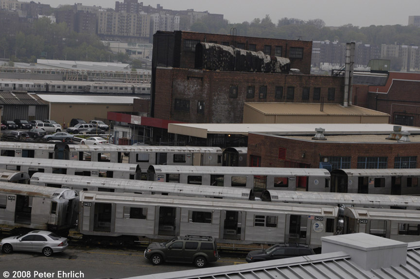 (170k, 864x574)<br><b>Country:</b> United States<br><b>City:</b> New York<br><b>System:</b> New York City Transit<br><b>Location:</b> 207th Street Yard<br><b>Car:</b> R-32 (Budd, 1964)  3422 <br><b>Photo by:</b> Peter Ehrlich<br><b>Date:</b> 5/2/2008<br><b>Notes:</b> Also includes R32 3423 and R42s 4731, 4894, 4903. 4883, 4882 and 4901.<br><b>Viewed (this week/total):</b> 0 / 1185