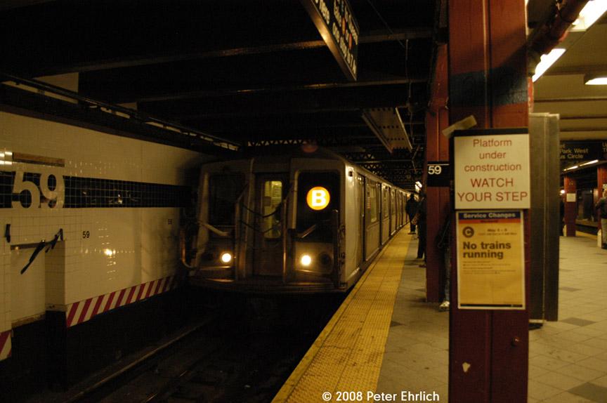 (157k, 864x574)<br><b>Country:</b> United States<br><b>City:</b> New York<br><b>System:</b> New York City Transit<br><b>Line:</b> IND 8th Avenue Line<br><b>Location:</b> 59th Street/Columbus Circle <br><b>Car:</b> R-40 (St. Louis, 1968)  4331 <br><b>Photo by:</b> Peter Ehrlich<br><b>Date:</b> 5/2/2008<br><b>Viewed (this week/total):</b> 6 / 2363