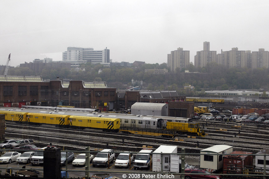 (168k, 864x574)<br><b>Country:</b> United States<br><b>City:</b> New York<br><b>System:</b> New York City Transit<br><b>Location:</b> 207th Street Yard<br><b>Car:</b> R-71 Pump/Reach Car (R-17/R-21/R-22 Rebuilds) P7376 <br><b>Photo by:</b> Peter Ehrlich<br><b>Date:</b> 5/2/2008<br><b>Notes:</b> Work car P7376 and R160 8536.<br><b>Viewed (this week/total):</b> 2 / 2555