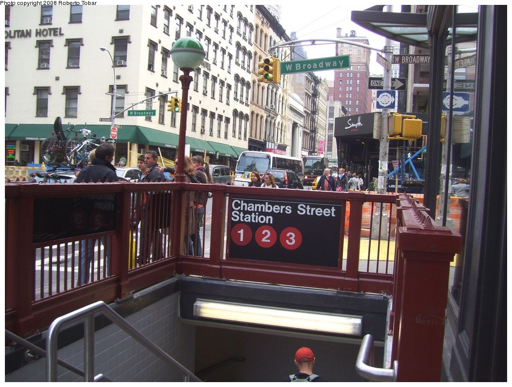 (239k, 1044x791)<br><b>Country:</b> United States<br><b>City:</b> New York<br><b>System:</b> New York City Transit<br><b>Line:</b> IRT West Side Line<br><b>Location:</b> Chambers Street <br><b>Photo by:</b> Roberto C. Tobar<br><b>Date:</b> 5/3/2008<br><b>Notes:</b> Station entrance.<br><b>Viewed (this week/total):</b> 0 / 3130