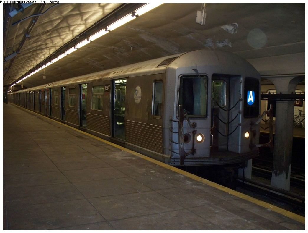 (177k, 1044x788)<br><b>Country:</b> United States<br><b>City:</b> New York<br><b>System:</b> New York City Transit<br><b>Line:</b> IND 8th Avenue Line<br><b>Location:</b> 190th Street/Overlook Terrace <br><b>Route:</b> A<br><b>Car:</b> R-42 (St. Louis, 1969-1970)  4567 <br><b>Photo by:</b> Glenn L. Rowe<br><b>Date:</b> 5/6/2008<br><b>Viewed (this week/total):</b> 1 / 1678