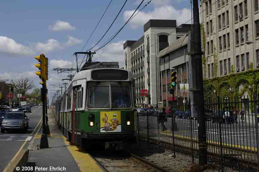 (69k, 864x574)<br><b>Country:</b> United States<br><b>City:</b> Boston, MA<br><b>System:</b> MBTA<br><b>Line:</b> MBTA Green (B)<br><b>Location:</b> Boston University West <br><b>Car:</b> MBTA Type 7 LRV (Kinki-Sharyo, 1986-87)  3673 <br><b>Photo by:</b> Peter Ehrlich<br><b>Date:</b> 5/5/2008<br><b>Notes:</b> Approaching Boston University West Station inbound.<br><b>Viewed (this week/total):</b> 0 / 735