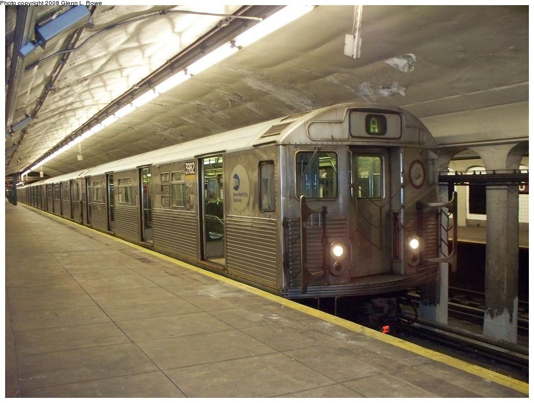 (220k, 1044x788)<br><b>Country:</b> United States<br><b>City:</b> New York<br><b>System:</b> New York City Transit<br><b>Line:</b> IND 8th Avenue Line<br><b>Location:</b> 190th Street/Overlook Terrace <br><b>Route:</b> A<br><b>Car:</b> R-38 (St. Louis, 1966-1967)  3982 <br><b>Photo by:</b> Glenn L. Rowe<br><b>Date:</b> 5/9/2008<br><b>Viewed (this week/total):</b> 0 / 1879