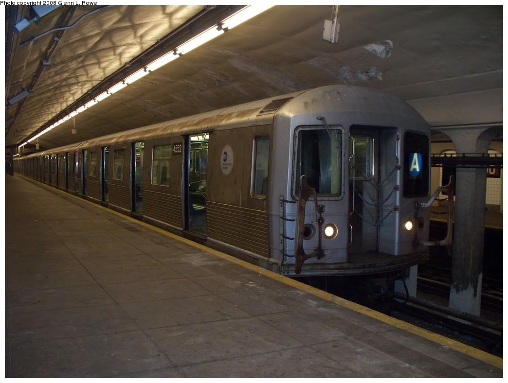 (183k, 1044x788)<br><b>Country:</b> United States<br><b>City:</b> New York<br><b>System:</b> New York City Transit<br><b>Line:</b> IND 8th Avenue Line<br><b>Location:</b> 190th Street/Overlook Terrace <br><b>Route:</b> A<br><b>Car:</b> R-42 (St. Louis, 1969-1970)  4552 <br><b>Photo by:</b> Glenn L. Rowe<br><b>Date:</b> 5/8/2008<br><b>Viewed (this week/total):</b> 0 / 2001