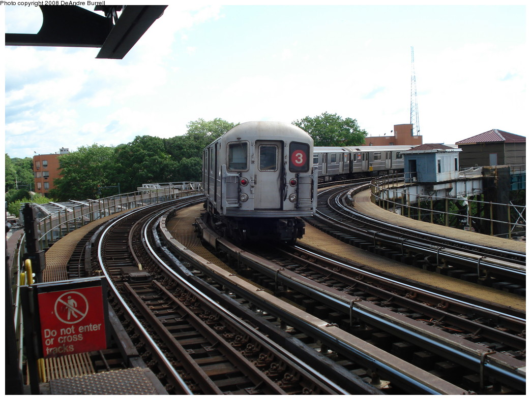 (239k, 1044x788)<br><b>Country:</b> United States<br><b>City:</b> New York<br><b>System:</b> New York City Transit<br><b>Line:</b> IRT White Plains Road Line<br><b>Location:</b> West Farms Sq./East Tremont Ave./177th St. <br><b>Route:</b> 3<br><b>Car:</b> R-62 (Kawasaki, 1983-1985)  1390 <br><b>Photo by:</b> DeAndre Burrell<br><b>Date:</b> 6/23/2007<br><b>Viewed (this week/total):</b> 1 / 2845
