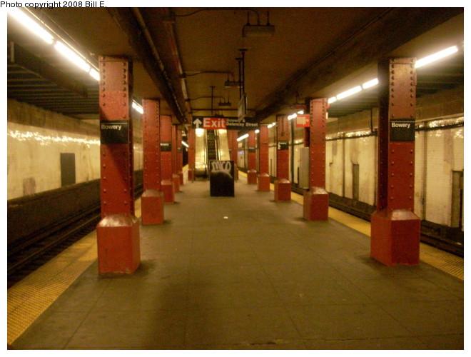 (123k, 660x500)<br><b>Country:</b> United States<br><b>City:</b> New York<br><b>System:</b> New York City Transit<br><b>Line:</b> BMT Nassau Street/Jamaica Line<br><b>Location:</b> Bowery <br><b>Photo by:</b> Bill E.<br><b>Date:</b> 5/9/2008<br><b>Notes:</b> View looking uptown.<br><b>Viewed (this week/total):</b> 4 / 1849