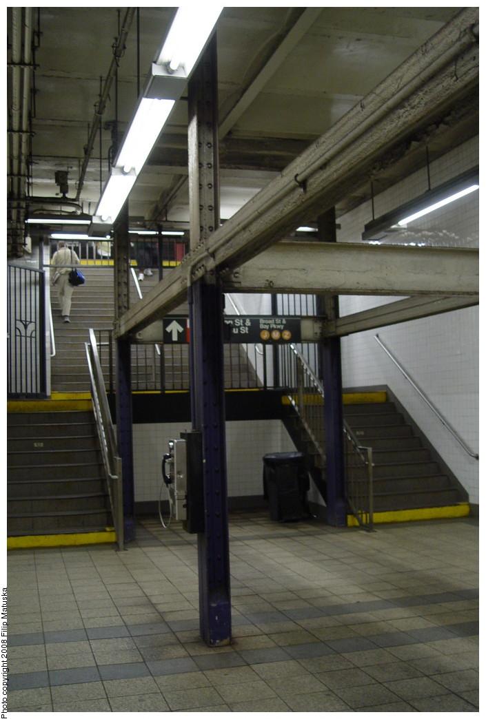 (170k, 705x1044)<br><b>Country:</b> United States<br><b>City:</b> New York<br><b>System:</b> New York City Transit<br><b>Line:</b> BMT Nassau Street/Jamaica Line<br><b>Location:</b> Fulton Street <br><b>Photo by:</b> Filip Matuska<br><b>Date:</b> 6/7/2007<br><b>Viewed (this week/total):</b> 0 / 2006