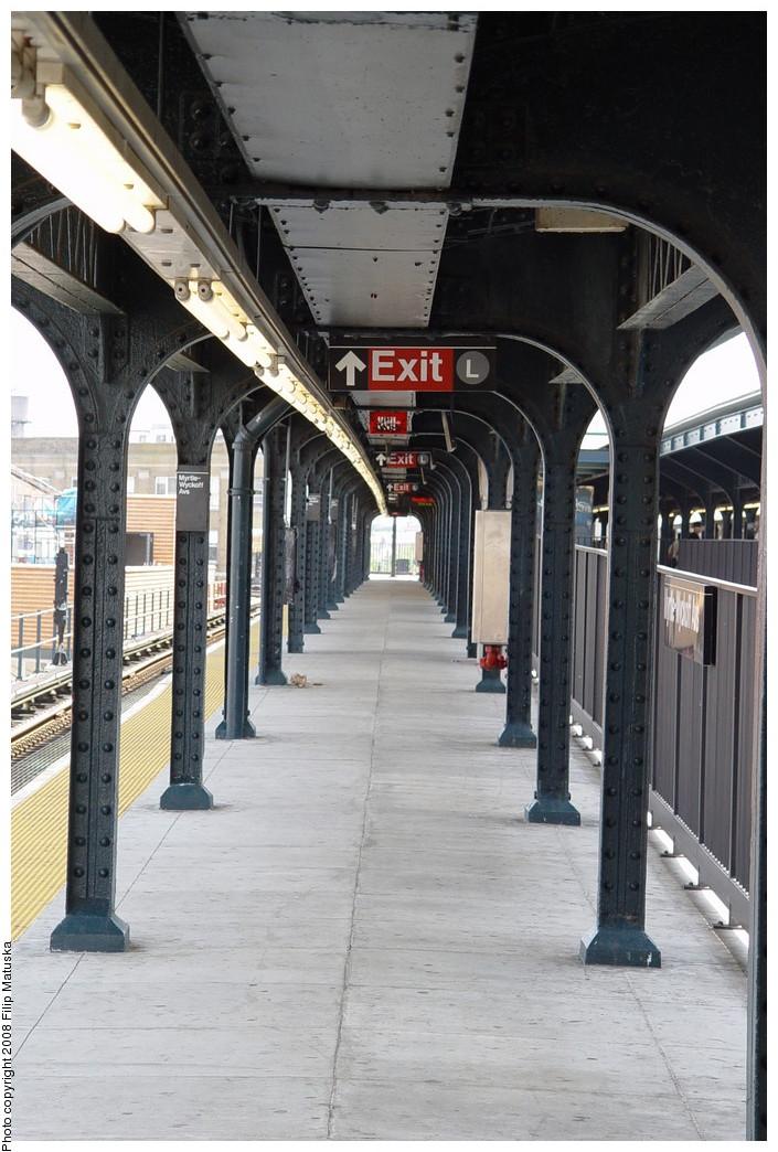 (207k, 705x1044)<br><b>Country:</b> United States<br><b>City:</b> New York<br><b>System:</b> New York City Transit<br><b>Line:</b> BMT Myrtle Avenue Line<br><b>Location:</b> Wyckoff Avenue <br><b>Photo by:</b> Filip Matuska<br><b>Date:</b> 6/7/2007<br><b>Viewed (this week/total):</b> 1 / 1241
