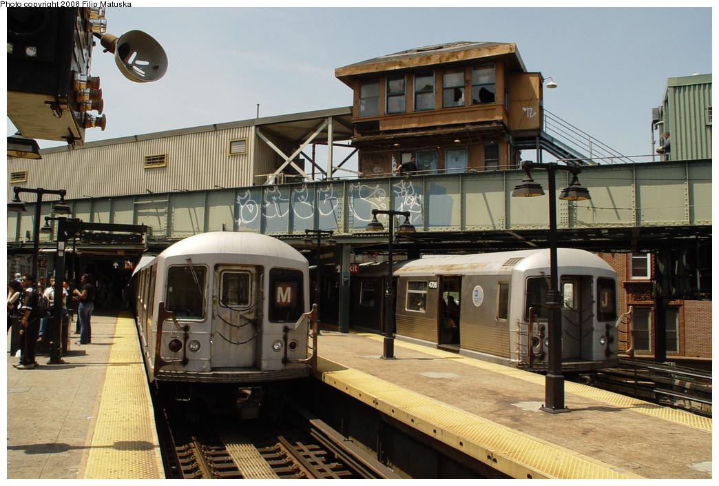 (224k, 1044x705)<br><b>Country:</b> United States<br><b>City:</b> New York<br><b>System:</b> New York City Transit<br><b>Line:</b> BMT Nassau Street/Jamaica Line<br><b>Location:</b> Myrtle Avenue <br><b>Route:</b> J<br><b>Car:</b> R-42 (St. Louis, 1969-1970)  4706 <br><b>Photo by:</b> Filip Matuska<br><b>Date:</b> 6/7/2007<br><b>Viewed (this week/total):</b> 1 / 2246