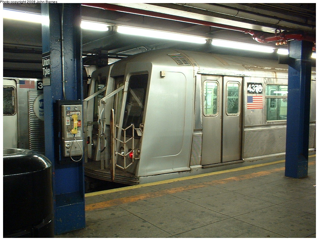 (244k, 1044x788)<br><b>Country:</b> United States<br><b>City:</b> New York<br><b>System:</b> New York City Transit<br><b>Line:</b> IND Queens Boulevard Line<br><b>Location:</b> Union Turnpike/Kew Gardens <br><b>Route:</b> Work Service<br><b>Car:</b> R-40 (St. Louis, 1968)  4373 <br><b>Photo by:</b> John Barnes<br><b>Date:</b> 8/6/2006<br><b>Viewed (this week/total):</b> 1 / 1709