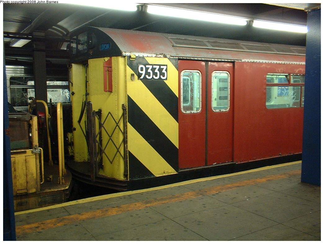 (235k, 1044x788)<br><b>Country:</b> United States<br><b>City:</b> New York<br><b>System:</b> New York City Transit<br><b>Line:</b> IND Queens Boulevard Line<br><b>Location:</b> Union Turnpike/Kew Gardens <br><b>Route:</b> Work Service<br><b>Car:</b> R-33 World's Fair (St. Louis, 1963-64) 9333 <br><b>Photo by:</b> John Barnes<br><b>Date:</b> 8/6/2006<br><b>Viewed (this week/total):</b> 5 / 1657