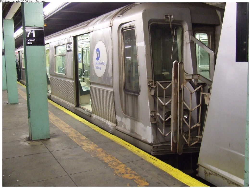 (211k, 1044x788)<br><b>Country:</b> United States<br><b>City:</b> New York<br><b>System:</b> New York City Transit<br><b>Line:</b> IND Queens Boulevard Line<br><b>Location:</b> 71st/Continental Aves./Forest Hills <br><b>Route:</b> R<br><b>Car:</b> R-40 (St. Louis, 1968)  4238 <br><b>Photo by:</b> John Barnes<br><b>Date:</b> 3/7/2007<br><b>Viewed (this week/total):</b> 0 / 3074