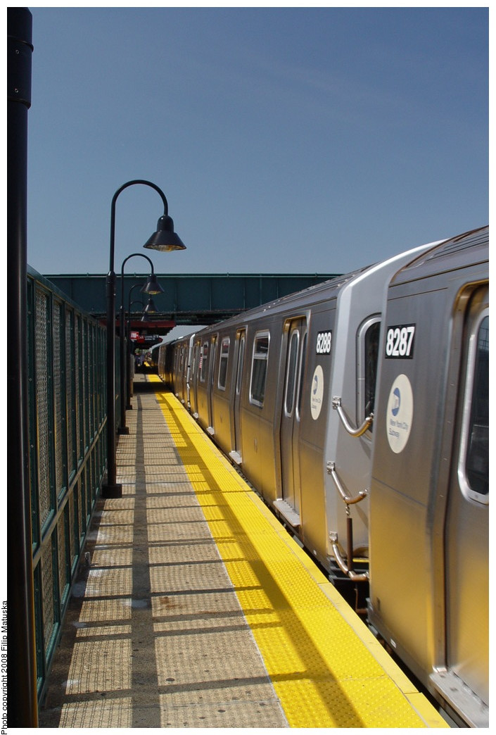 (180k, 705x1044)<br><b>Country:</b> United States<br><b>City:</b> New York<br><b>System:</b> New York City Transit<br><b>Line:</b> BMT Canarsie Line<br><b>Location:</b> Livonia Avenue <br><b>Route:</b> L<br><b>Car:</b> R-143 (Kawasaki, 2001-2002) 8288 <br><b>Photo by:</b> Filip Matuska<br><b>Date:</b> 6/7/2007<br><b>Viewed (this week/total):</b> 1 / 1352