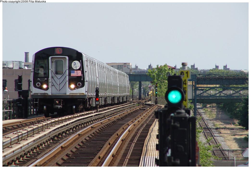(197k, 1044x705)<br><b>Country:</b> United States<br><b>City:</b> New York<br><b>System:</b> New York City Transit<br><b>Line:</b> BMT Canarsie Line<br><b>Location:</b> Sutter Avenue <br><b>Route:</b> L<br><b>Car:</b> R-143 (Kawasaki, 2001-2002)  <br><b>Photo by:</b> Filip Matuska<br><b>Date:</b> 6/7/2007<br><b>Viewed (this week/total):</b> 1 / 2213